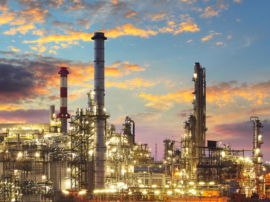 پتروشیمی و پالایشگاه نفت